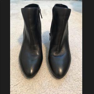 Bandolino Shoes - NEVER WORN Bandolino Bootie Women's Size 9.5